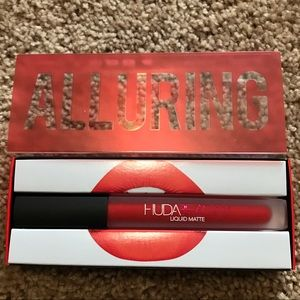 Red Huda Beauty Liguid Matte Lipstick (orange-red)